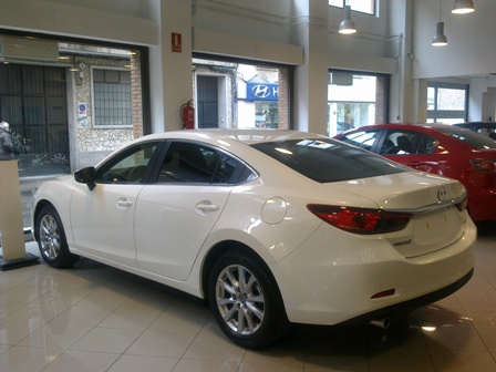 Mazda  6 - 2.2 150CV Luxury 4P Manual Diesel