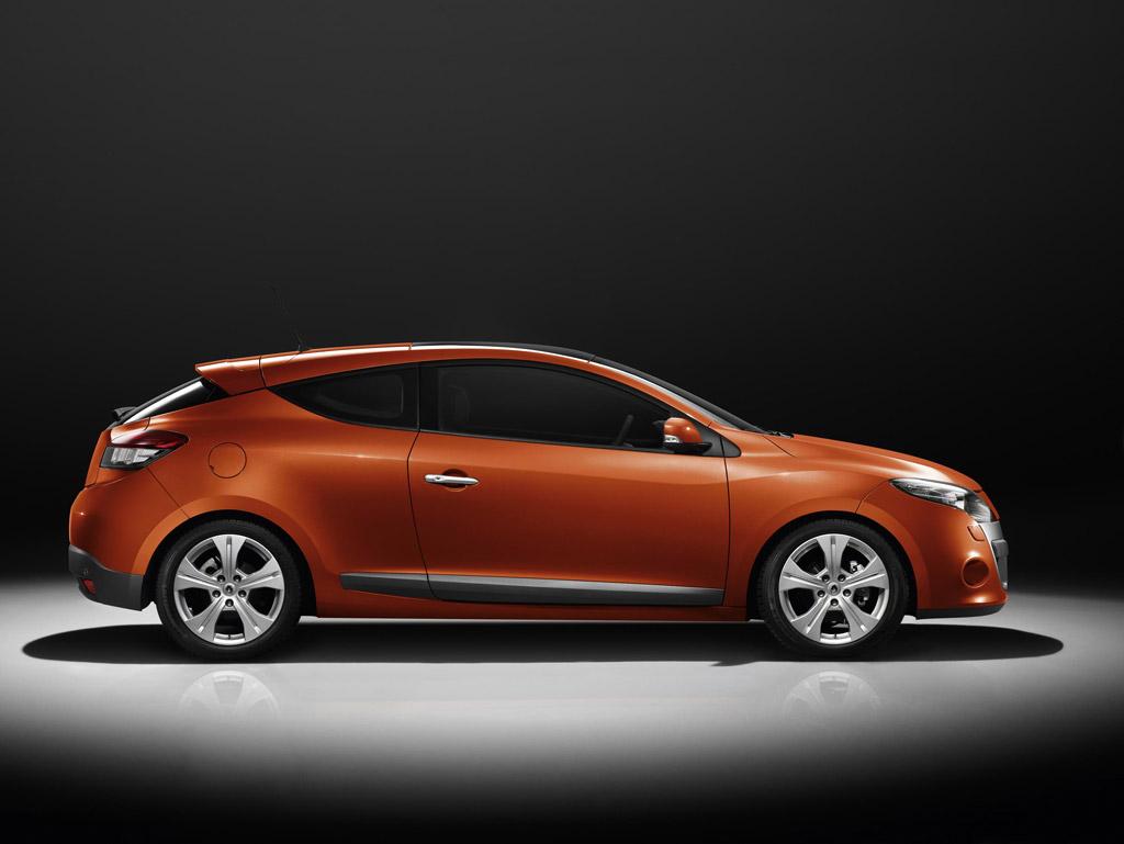 Фотографии Renault Megane Coup…