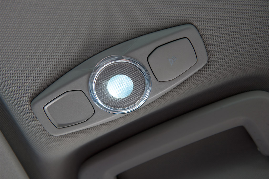 Ford S-Max Ford S-Max. Detalle iluminaci�n interior de LED.