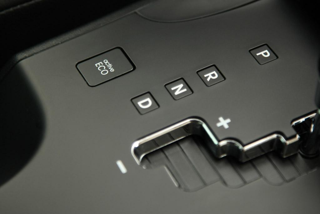 Hyundai Ix35 Hyundai ix35. Detalle palanca del cambio autom�tico.