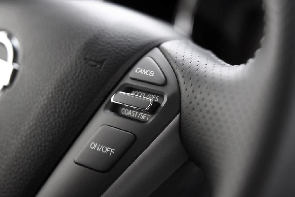 Nissan Murano Nissan Murano. Mandos en el volante.